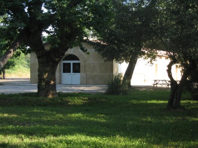 Implanté à Beaucaire, dans le Gard (30), le restaurant Le Fer à Cheval